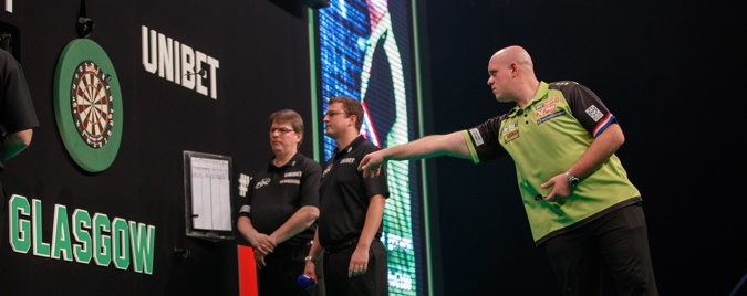 darts premier league mvg throwing