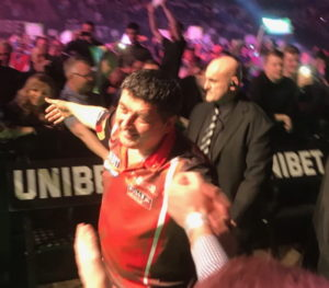darts premier league mensur suljović walking onto stage